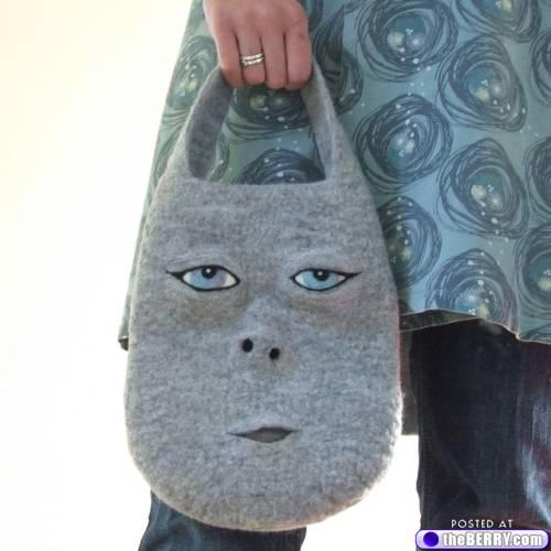 Carry Your Face on Your... Purse? от Marinara за 30 jan 2013