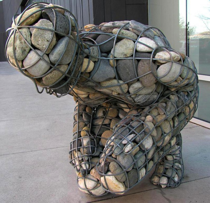 4,000 Pounds of Rocks Fill a Human-Shaped Steel Frame