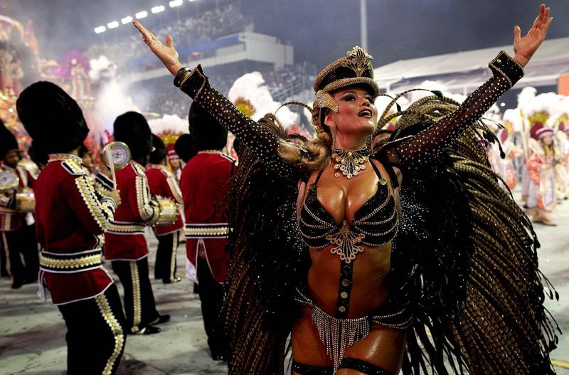 Best pictures of the annual carnival in Rio 2013