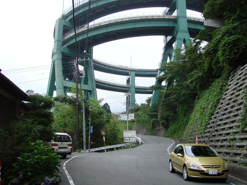 Kawazu-Nanadaru Loop Bridge, Japan