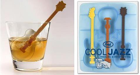 "Make Your Cocktails Special with These Awesome Ice ""Cubes"""