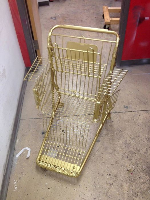 Supermarket Cart Throne