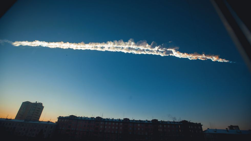 Meteor Stikes Russia, 1000 People Injured!