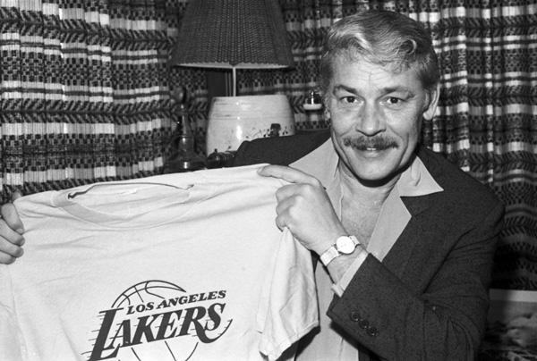 Los Angeles Lakers Owner Jerry Buss dies at 80 от Marinara за 19 feb 2013