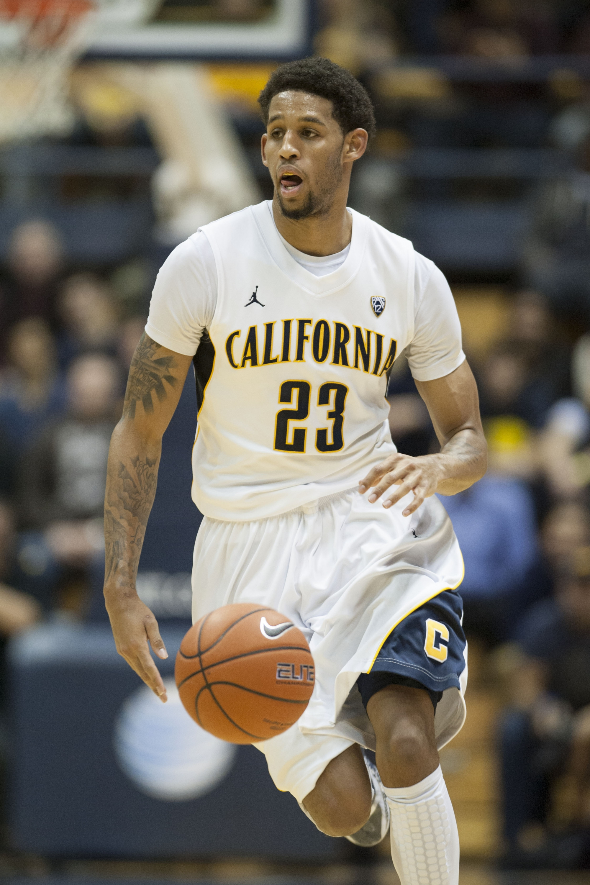 Cal Coach Mike Montgomery Shoves Player