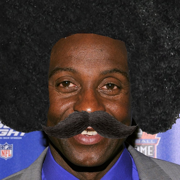"NFL Player Disguises in Honer Of ""Leon Sandcastle"""