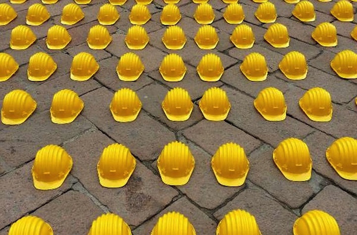 10,000 Helmets Represent Lost Construction Jobs in Italy