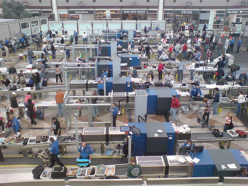 US TSA is Going to Allow Small Knives on Flights, WTF от Marinara за 06 mar 2013