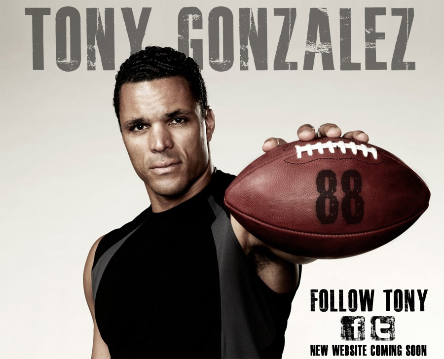 Tony Gonzalez Will Be Back For One More Year