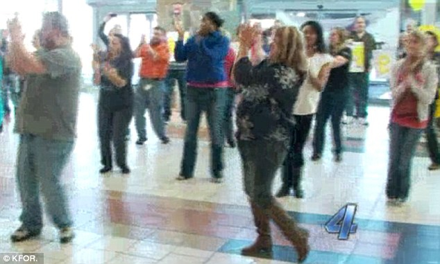 Woman Stages Flash Mob Proposal at Airport