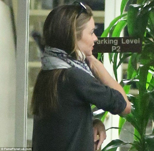 Miranda Kerr Pictured Wearing a Neck Brace