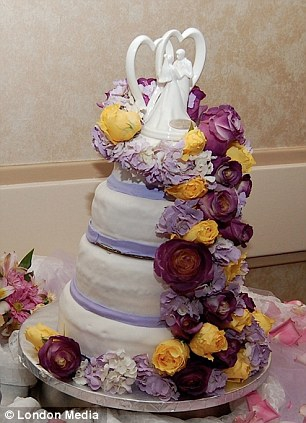 Are these the worst wedding cakes ever?