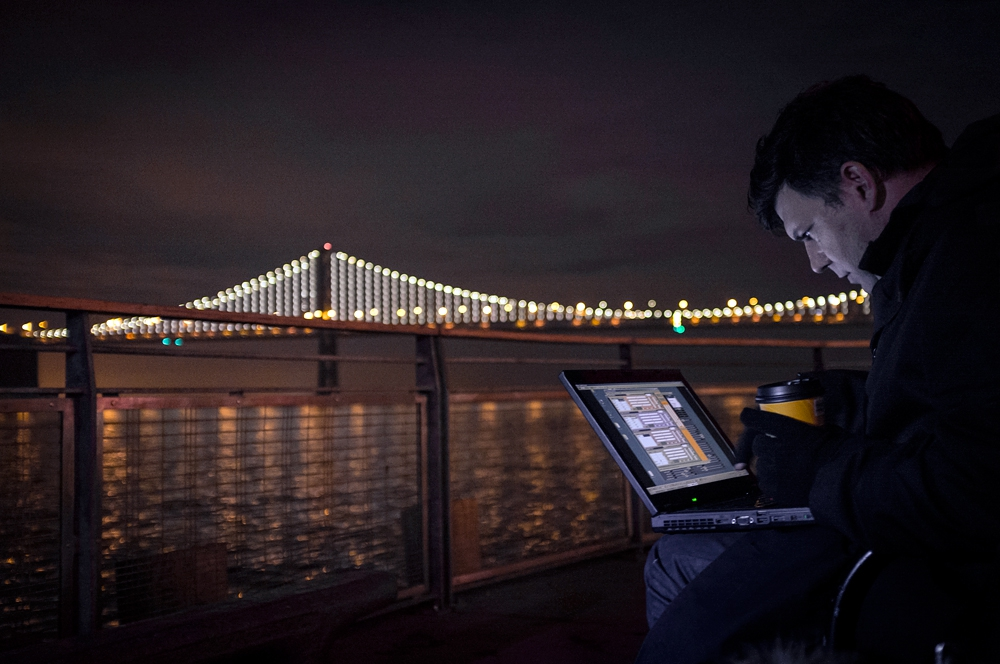 Bay Bridge Glows With 25,000 LED Lights.