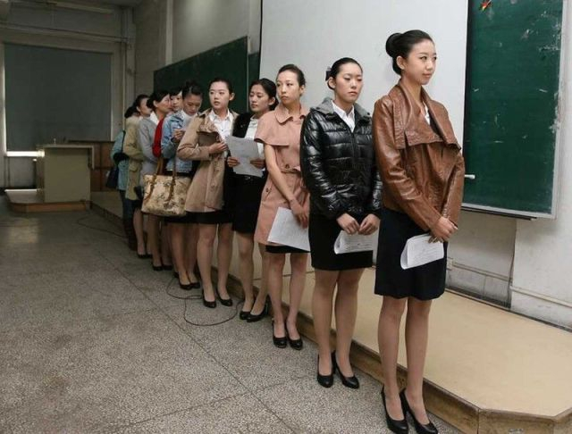 Chinese Airlines Actually Hold Castings for Stewardesses