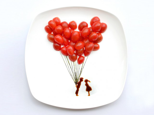 Tomato Balloon Kiss