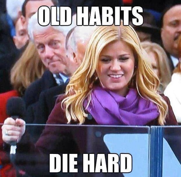 Bill Clinton photo bombing Kelly Clarkson has made quite the splash in the meme world.