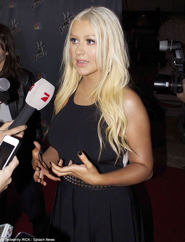 Cristina Aguilera Red Carpet interview
