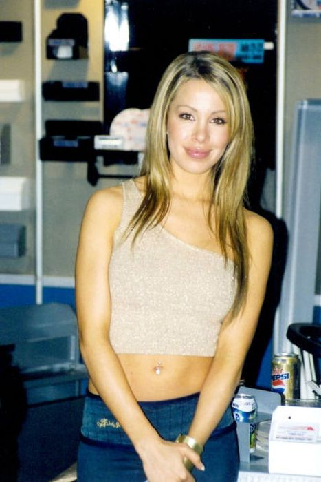 Lisa Hochstein Before