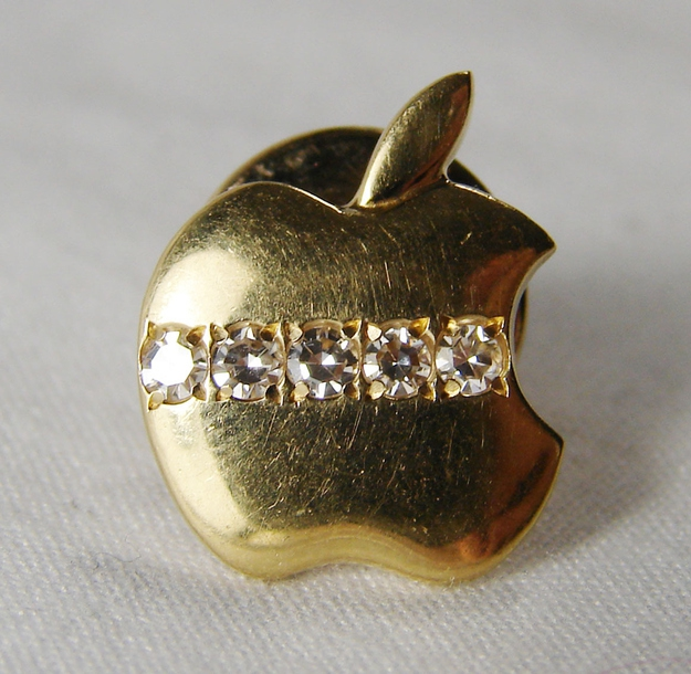 Rare Vintage Apple Computer 5-Year Service Pin, $1,049.99