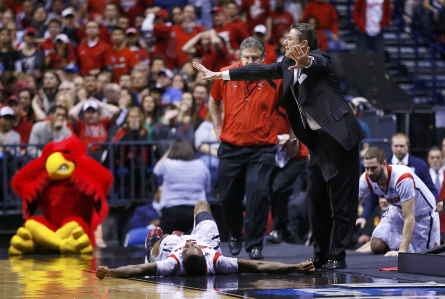 Coach Rick Pitino Calls to Stop the Game After Kevin Ware's Fall