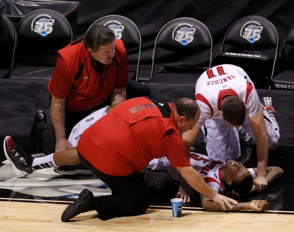 Kevin Ware Lies on the Floor After Gruesome Injury