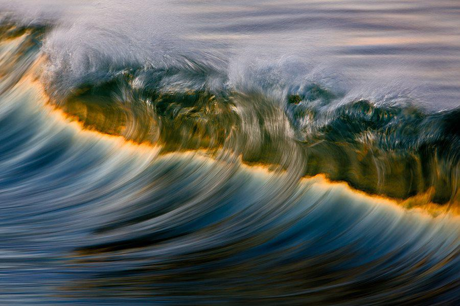 Stunning Ocean Waves