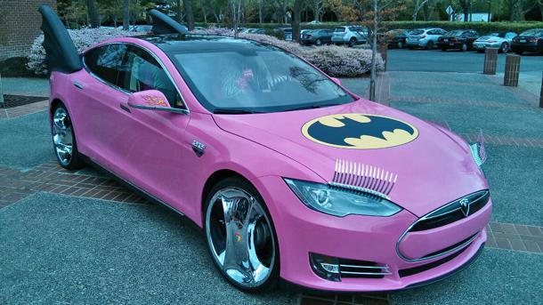 Sergey Brin's Car Turned into a Pink Batmobile от Marinara за 08 apr 2013