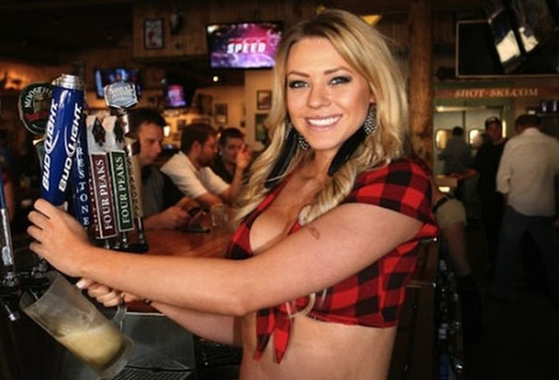 The Girls of Twin Peaks Restaurant Are Much Better Than Hooters Girls