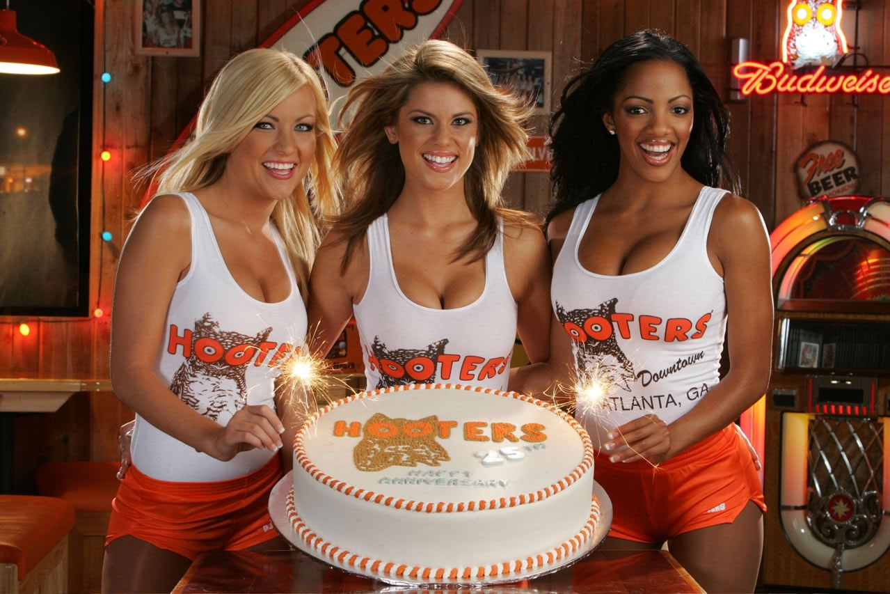 Humiliated Ex Hooters Waitress Is Suing!