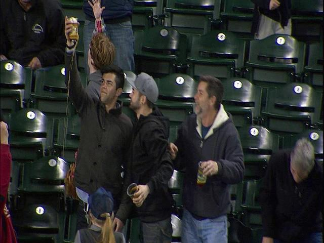 Mariners Fan Catches Foul Ball in Beer
