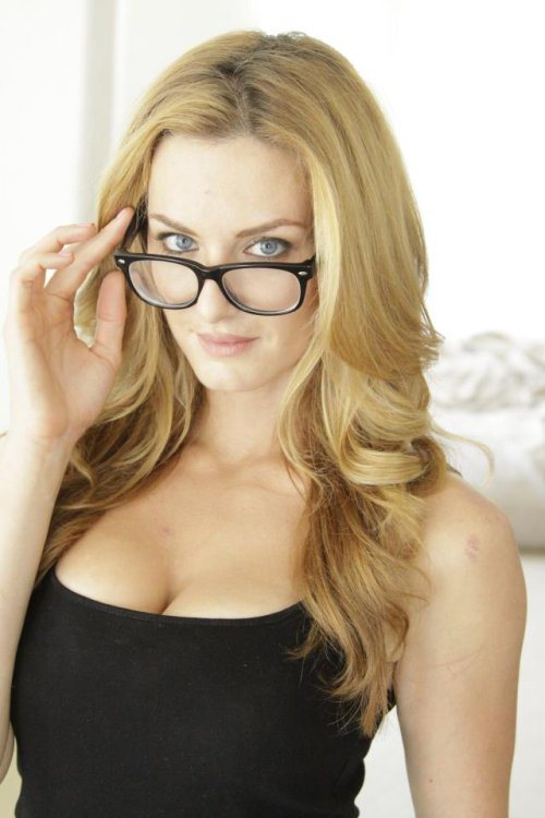 Sexy Girls In Glasses
