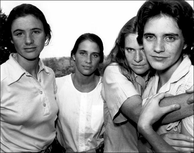 The Brown Sisters, Portraits of 4 Sisters Taken Every Year For 36 Years