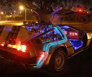 Rent Your Back to The Future Time Maschine!
