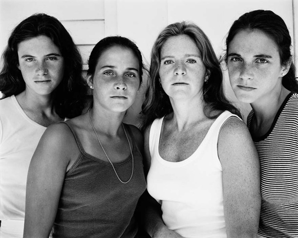 4 Sisters Photographed Every Year For 36 Years
