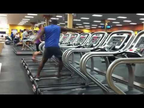 Guy Shows Off His Dance Moves on a Gym's Treadmill