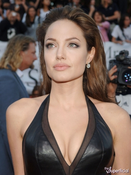 Angelina Jolie got her breasts removed