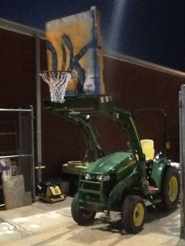 John Deer Basketball Hoop