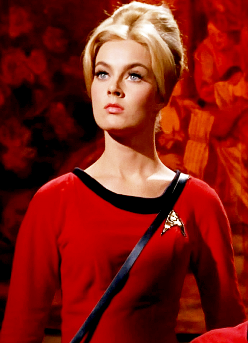 15 Star Trek Hotties From All Times.