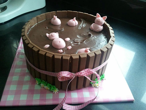 1. 'Pigs in The Mud' Cake