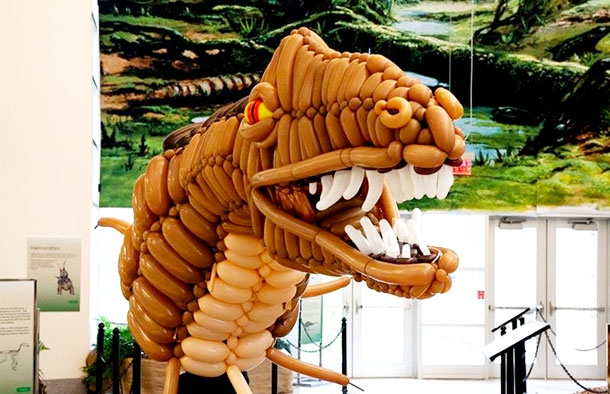 This Awesome 20ft Dinosaur Is Made From Balloons