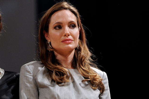 Angelina Jolie Mourning Death of Beloved Aunt