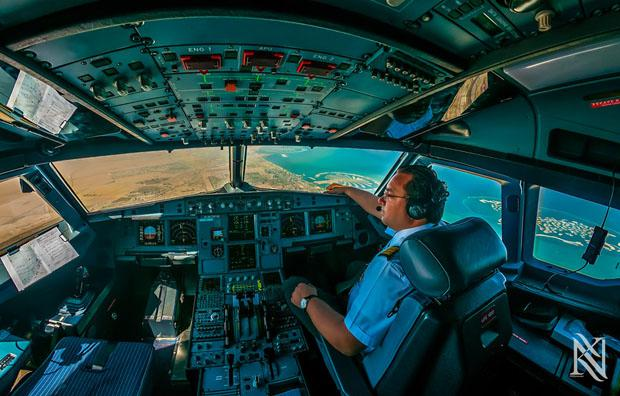 Stunning Photos from Inside of Airplane Cockpit