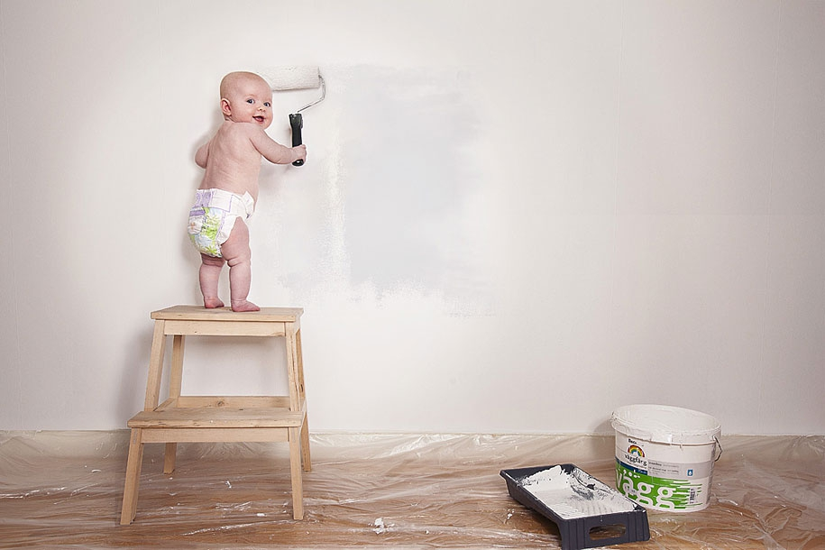 Photographer 'Shops His 1-year-old Daughter Into Crazy Situations