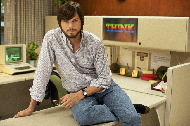 Ashton Kutcher Still Looks Like Steve Jobs In The 'Jobs' Trailer