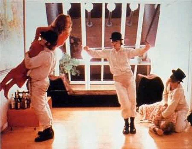 clockwork orange singing in the rain - 450×376