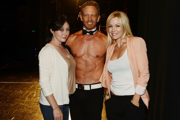 '90210′ Reunion at a Chippendales Show