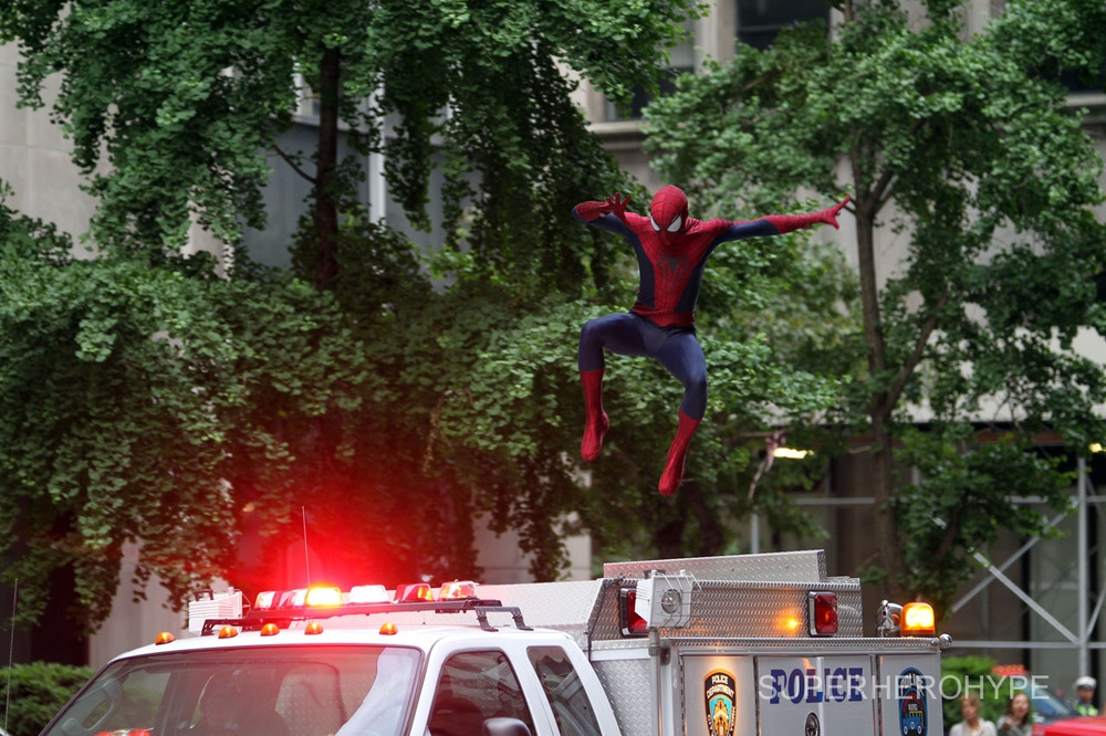 New AMAZING SPIDER-MAN 2 Set Photos: Rhino and Spider-Man