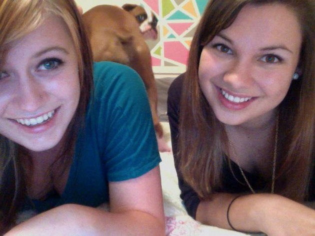 12 Stealthy Photobombs They Never Saw Coming