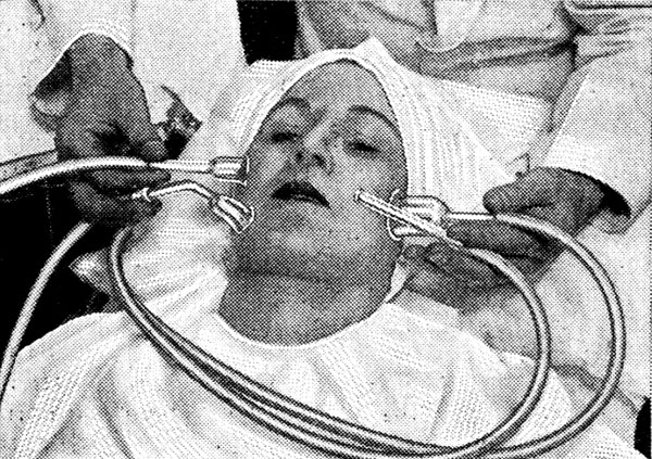This Is What Beauty Treatments Looked Like In The 1900's от Helen за 15 jul 2013