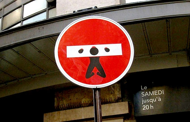 French Street Artist Loves To Hijacks Street Signs от Veggie за 03 aug 2013